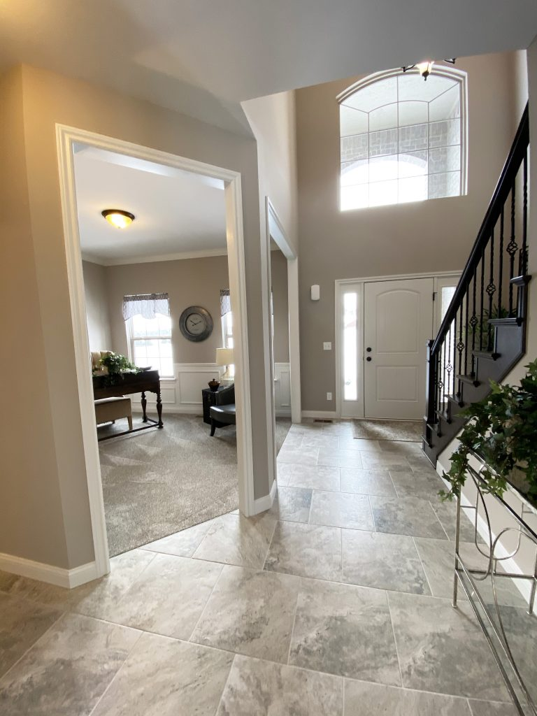 2450 Foyer
