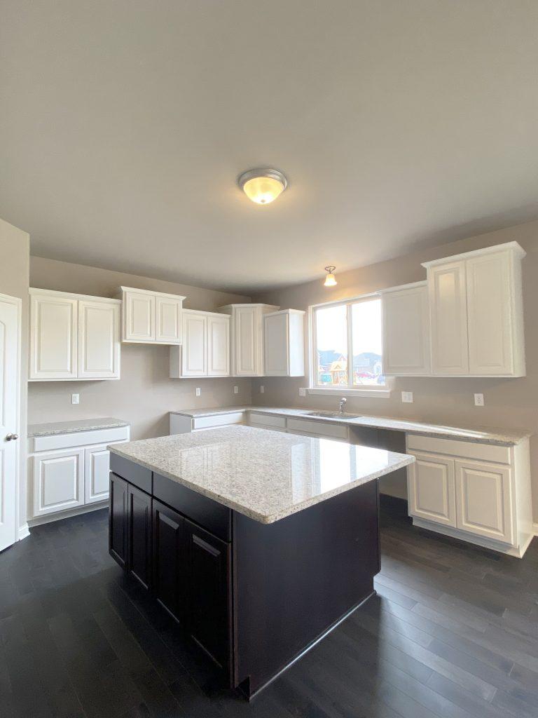 2900 Kitchen-4