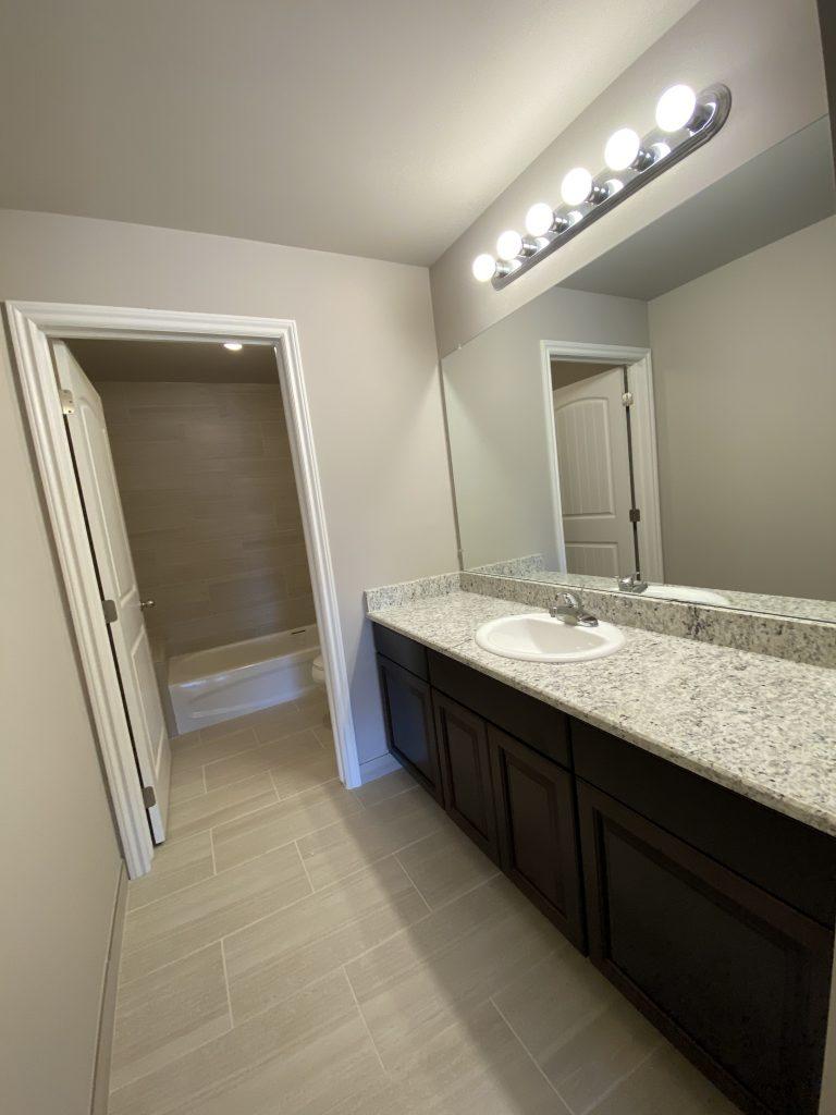 2900-Main Bath-2
