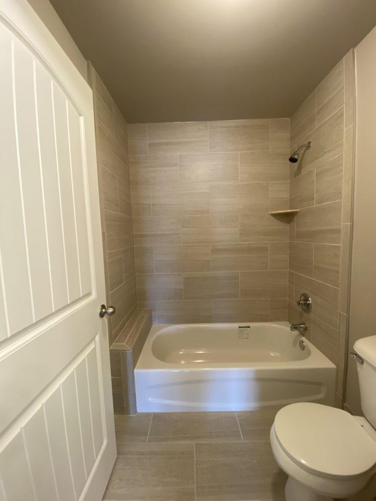 2900-Main Bath-3