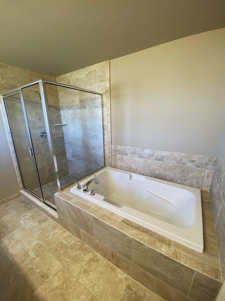LF16 Master Bath-1
