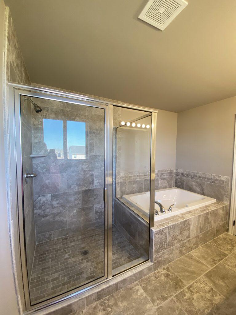 LF17 Master Bath-2